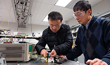 Engineers develop method to improve efficiency and heat tolerance of devices